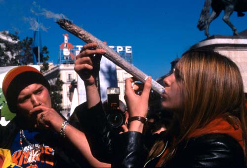 20121023184439-marihuana.jpg