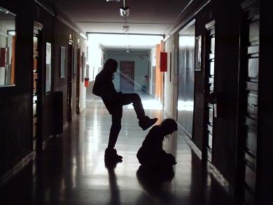 20121118153434-acoso-escolar.jpg